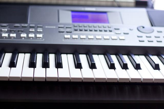 Yamaha PSR S670 - Test  - Muzykuj com : Testy instrumentów klawiszowych